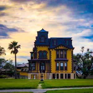 fulton-mansion-pic